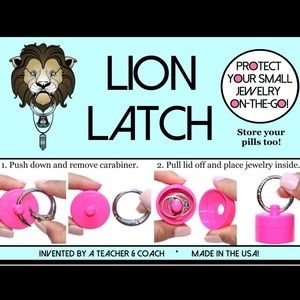 Jewelry - Lion latch Jewelry Tote Keychain! For pills too!